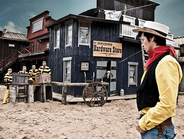 Lucky Look, Stugor nära High Chaparral i Sverige