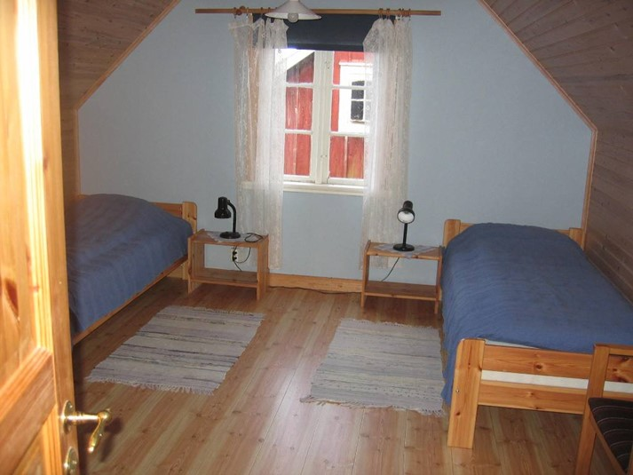 Stuga 1172 - Charmig sommarstuga på östra Öland, Öland ... : sovrum stuga : Sovrum